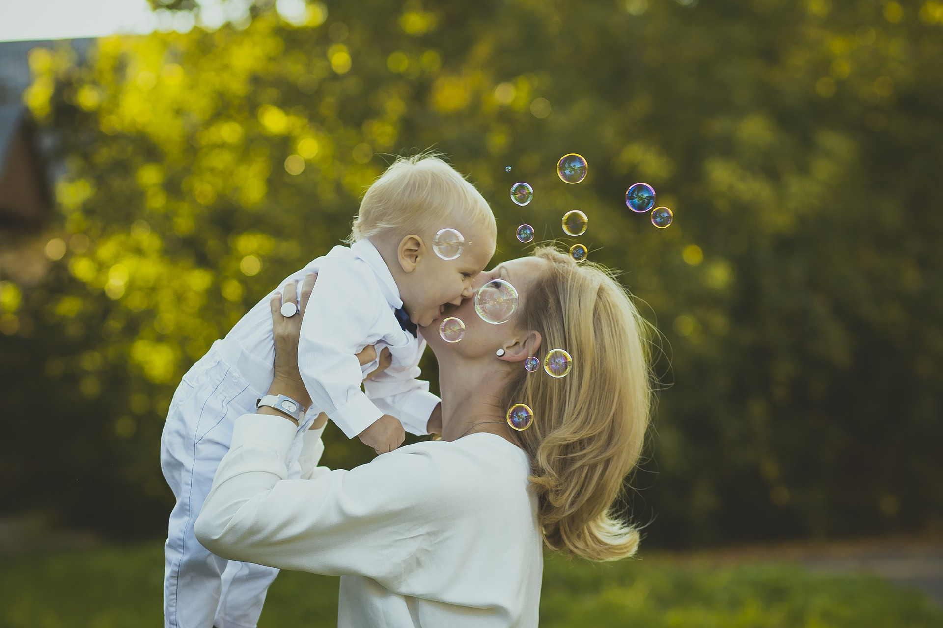 Afektivno vezivanje-od rođenja do predškolskog uzrasta
