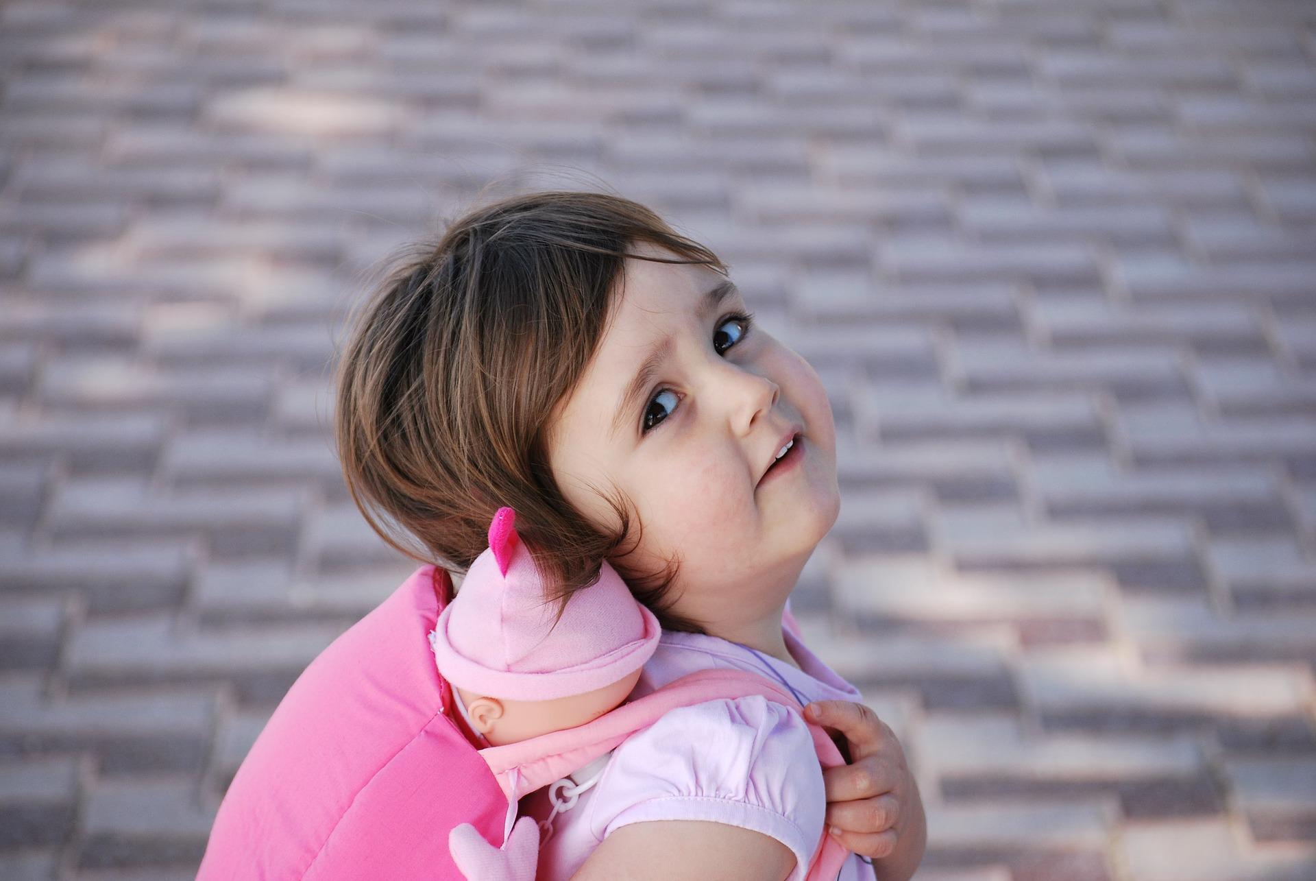 Kako da pomognete detetu sa autizmom da ostvari kontakt očima?